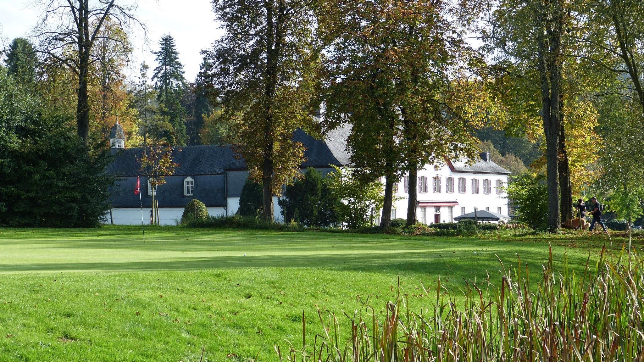 Golfplatz - Grün18 mit Blick auf das Schloss